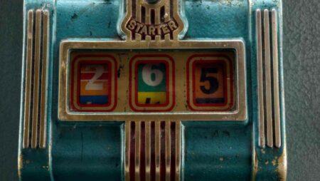 โปรเจ็คบูรณะตู้สล็อตโบราณโดยทีมงานคาสิโน Betsafe